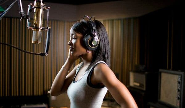 Female Voice Talent from LFM Audio Voiceovers